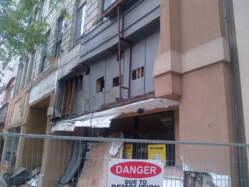 Facade removal at 18-28 King Street East (Image Credit: Kieran Dickson)