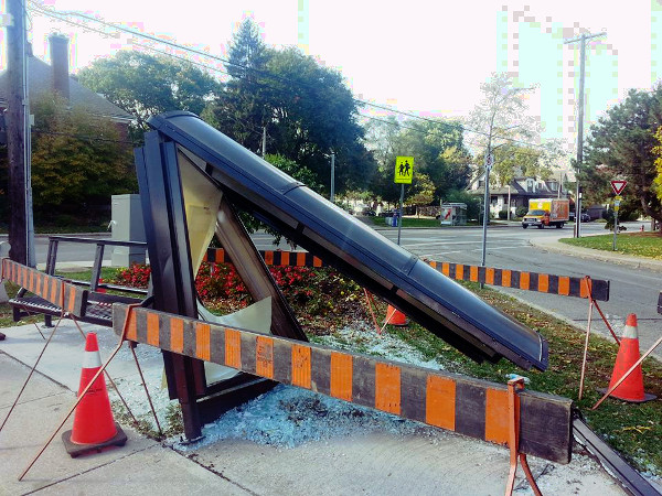 Aberdeen and Queen bus shelter destroyed on October 12, 2016 (Image Credit: Maureen Wilson)