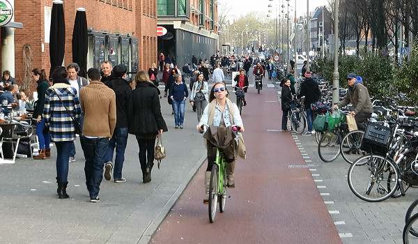 Jodenbreestraat in 2014 (Image Credit: Bicycle Dutch)
