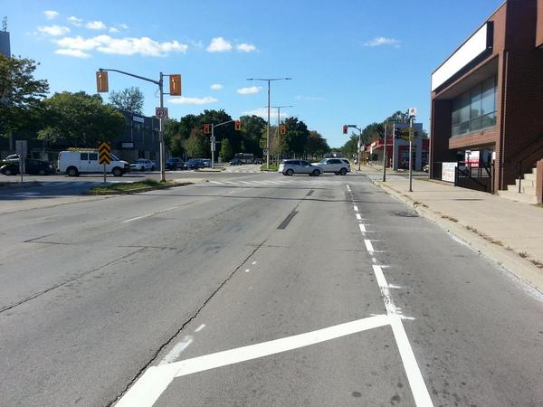 Cars are allowed to use York bike lane as right-turning lane