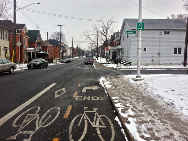 Hunter bike lanes end at Liberty