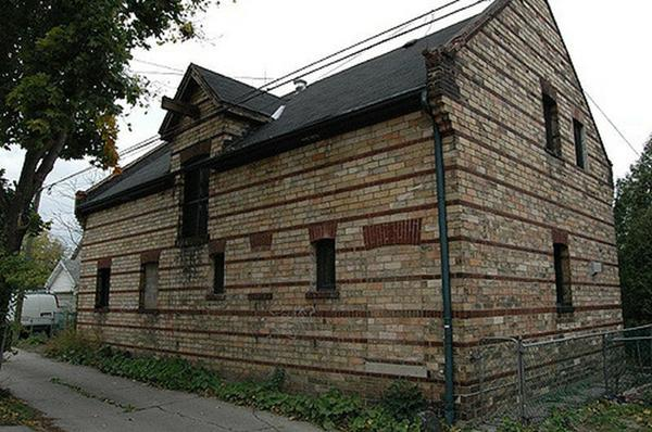 Historic coachhouse in Hamilton's Kirkendall neighbourhood - there are many buildings like this already in Hamilton's urban fabric that would make a simple conversion to a home (many already are)