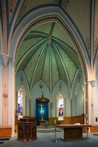 Fig. 7. Dundas, St Augustine's Roman Catholic Church, sanctuary.