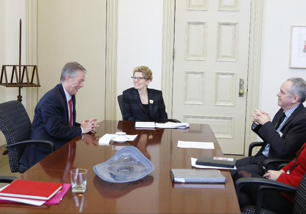Hamilton Mayor Fred Eisenberger, Ontario Premier Kathleen Wynne and Hamilton City Manager Chris Murray (Image Credit: Government of Ontario)