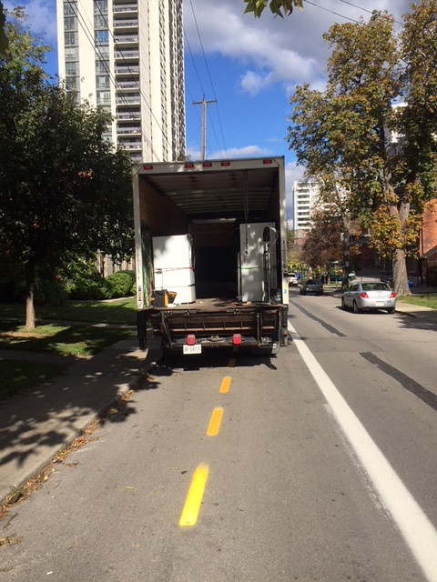 Truck blocking Bay Street bike lanes (Image Credit: Tony Higgins)