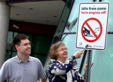 The Town of Oakville kicked off its 2004 Anti-Idling education campaign with Mayor Mulvale and Councillor Adams.