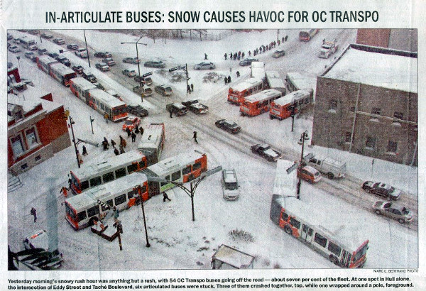 Now-infamous 2006 photo of the problem of articulated buses and snow in downtown Hull (Image Credit: Ottawa Citizen)