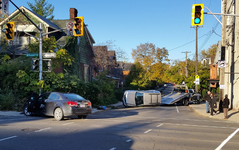 Collision at Queen and Charlton on the morning of November 8, 2017 (Image Credit: Nicholas Kevlahan)