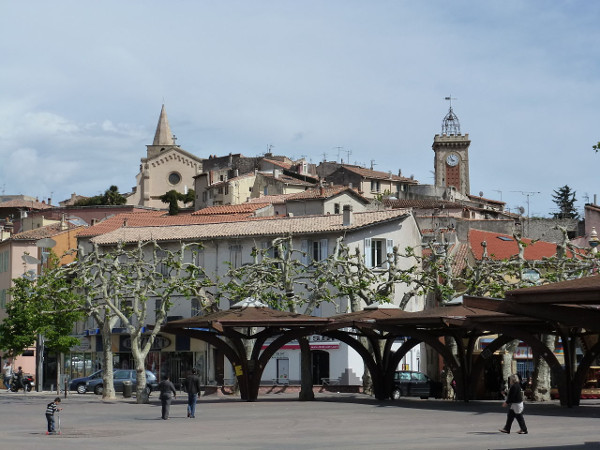 Aubagne City Centre (Image Credit: Kremtak. Licensed under CC BY-SA 3.0 via Wikimedia Commons)