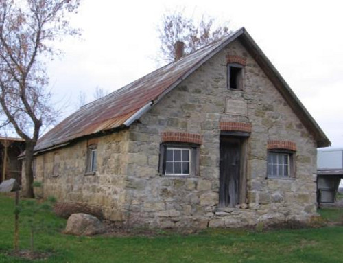 Figure 11. Farm shed at Springvale, near Hagersville, built from a mixture of basal Devonian cherty limestone and sandstone.