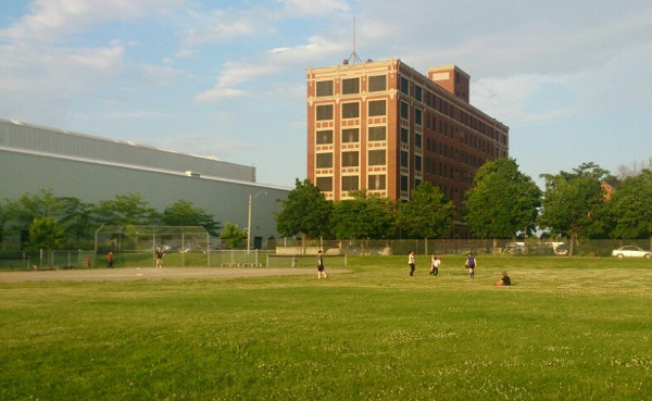 Woodlands Park with Westinghouse building in background (Image Credit: Jason Nason)