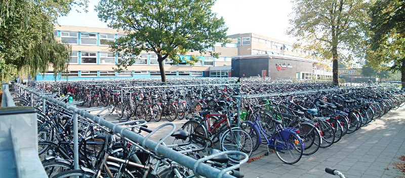 Bikes parked at high school in the Netherlands (Image Credit: A View from the Cycle Path)
