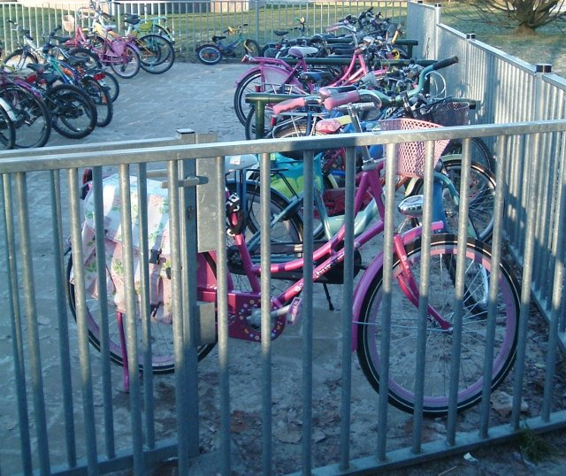 Bikes parked at school in winter (Image Credit: A View from the Cycle Path)