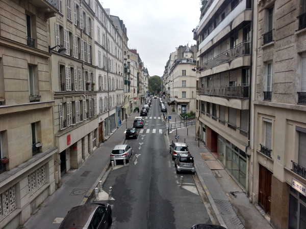 Contraflow bike lane on Rue Pascal
