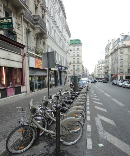 Velib' bike share station in Paris (RTH file photo)