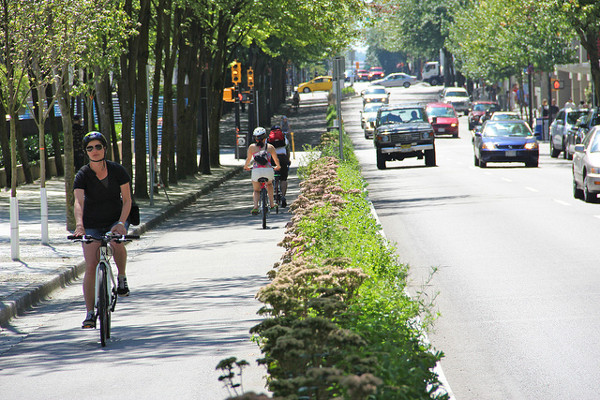 Hornby separated bike lane (Image Credit: Paul Krueger/flickr)