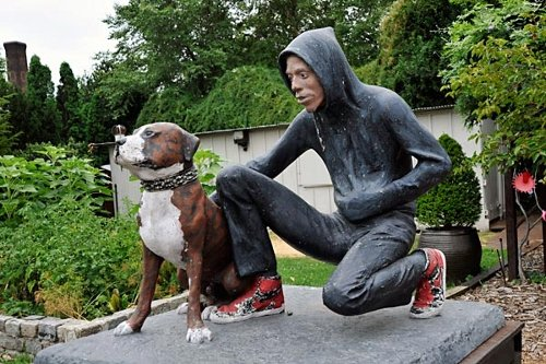 Raymond and Toby (1991) by John Ahearn, at Socrates Sculpture Park. Image: 12 Oz. Prophet.