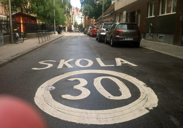 30 km/h in Stockholm (Image Credit: Streets MN)